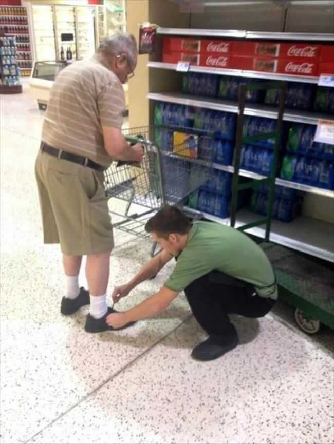 A store employee who gives extra service
