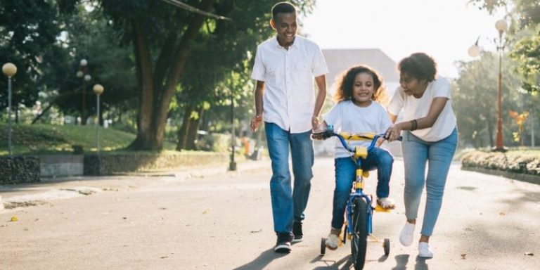 What is Positive Parenting? A Look at the Research and Benefits